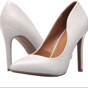 Report White Pointe Heels Daliah New in Box